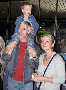 Сергей Варчук с супругой и сыном
