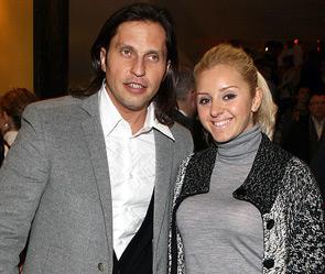 Александра ревва с женой анжеликой