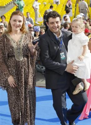 Актер Михаил Полицеймако с супругой актрисой Ларисой Муратовой и дочерью Эмилией