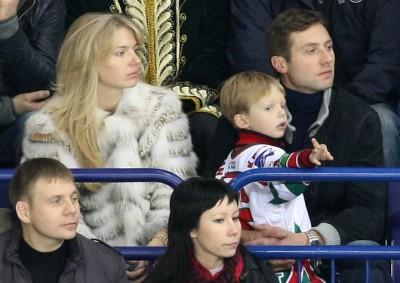 Алексей Морозов с женой и сыном