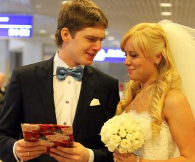 через какое время после знакомства играют свадьбу
