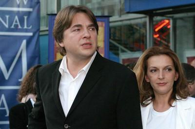 жена Константин Эрнст
