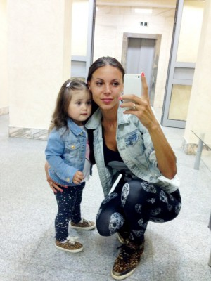 Оксана с дочкой
