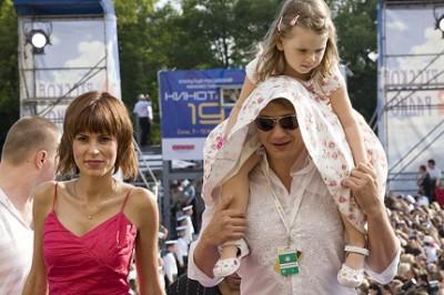 Марат с бывшей женой и дочкой
