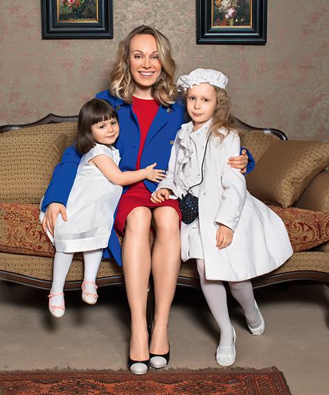 картинки ольга ломоносова с мужем и детьми работа: Бухгалтерский