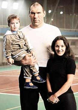 Жена Николая Валуева и дети