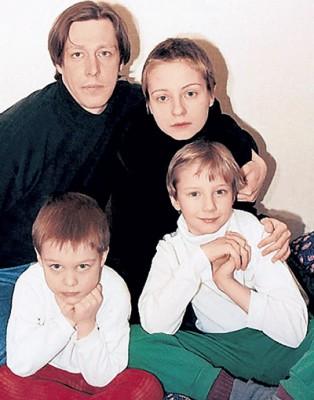 Жены Михаила Ефремова