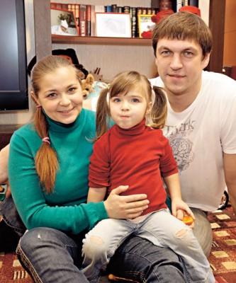 Дмитрий Орлов с бывшей женой и дочкой