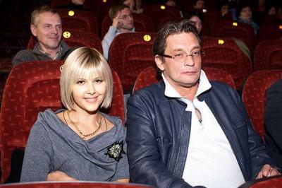 Актер с четвертой женой Ларисой Черниковой