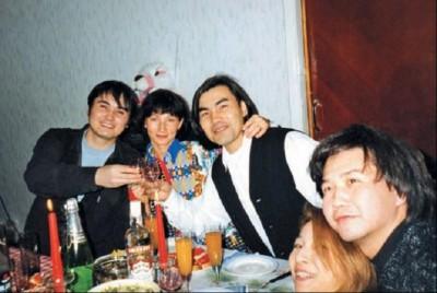 Шукенов с семьей