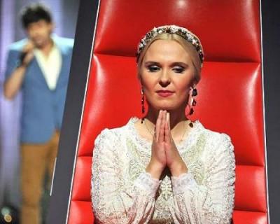 Певица всегда очень переживала за участников шоу