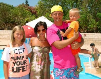 Потап с женой Ириной и детьми
