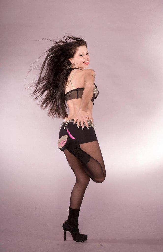 Бьянка демонстрирует себя голышом. Бесплатное онлайн видео и фото