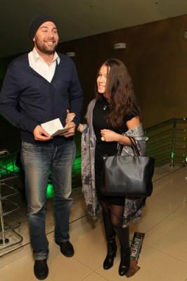 Слепаков женился на девушке Карине