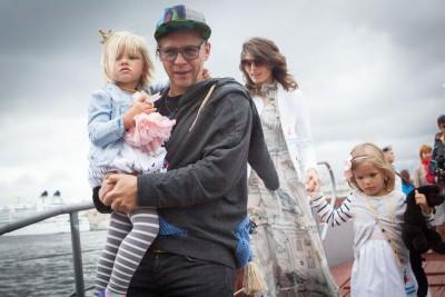 Илья с женой и детьми