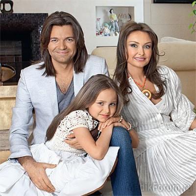 Дмитрий Маликов с женой Еленой и дочкой