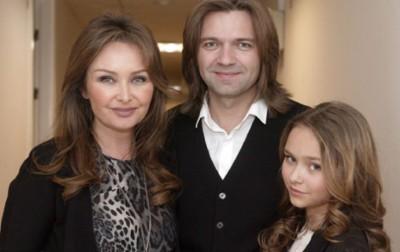 Дмитрий Маликов с женой и дочкой