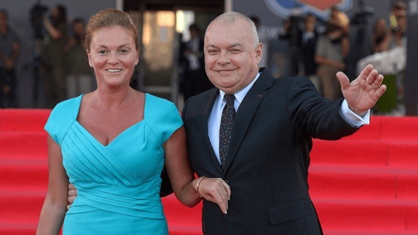 Дмитрий Киселев с женой Марией