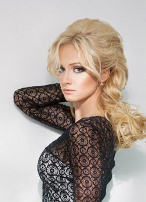 Актриса Полина Максимова