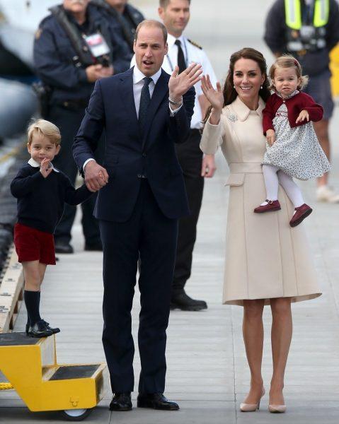 Кейт Мидлтон с мужем и детьми