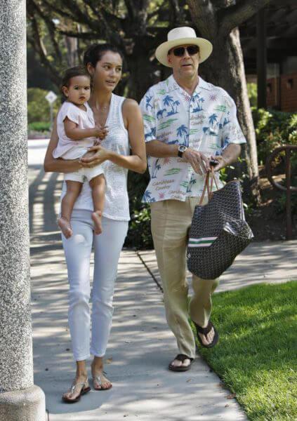 Брюс Уиллис с женой и дочкой