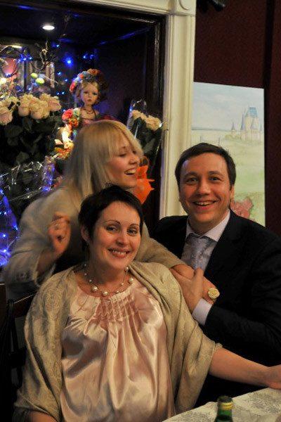 Георгий с женой Ладой и ее дочкой от первого брака