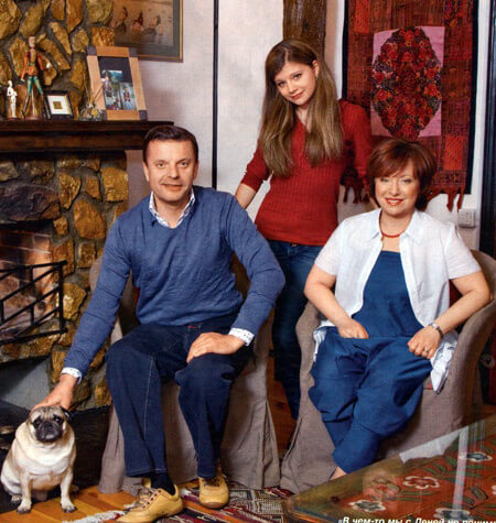 Леонид Парфенов с женой и дочкой