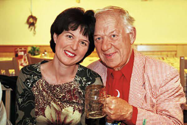 Олег Попов с женой Габриэллой