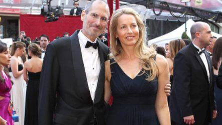 Жена Стива Джобса